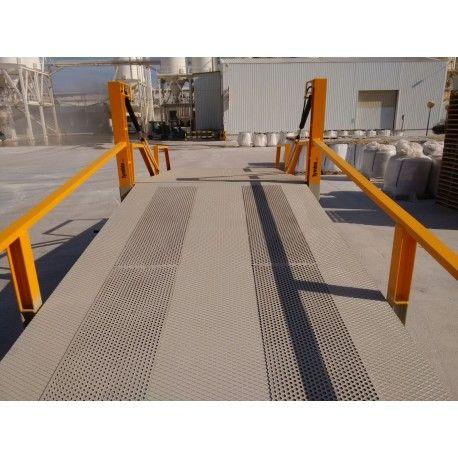 Rampas de carga--Rampa de carga móvil con pasarelas antideslizantes