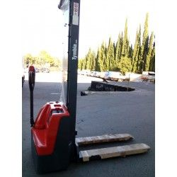 Electric stacker 1.000Kg to 2.900mm