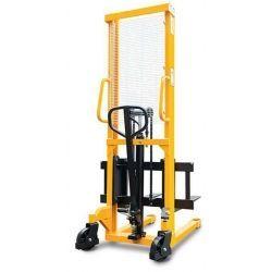 Apilador 1500kg a 1600mm