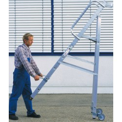Escalera de tijera con plataforma grande