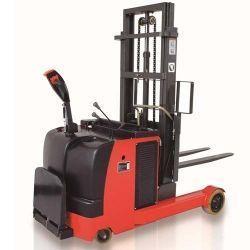 apiladores_electricos_contrapesados_1500kg.jpg