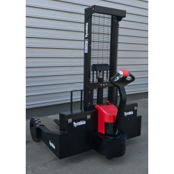 1.500 Kg Electric Off-Highway Stacker