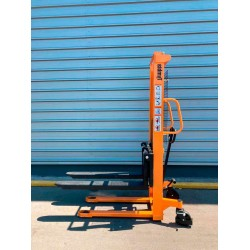 Manual Stacker 1000kg to 1600mm (Adjustable Nails)