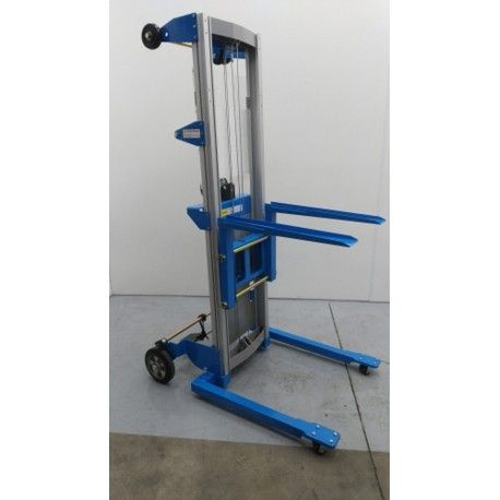 Apilador aluminio eleva a 2.500 mm